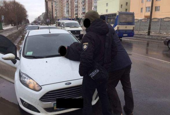 На Прибузькій СБУшники затримали на хабарі поліцейського