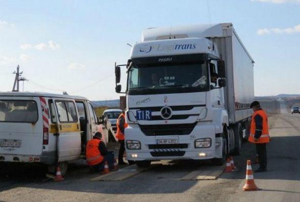 На хмельницьких дорогах почали зважувати вантажівки