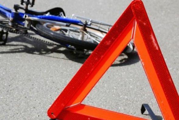 У Дунаєвецькому районі під колесами іномарки загинув 67-річний велосипедист