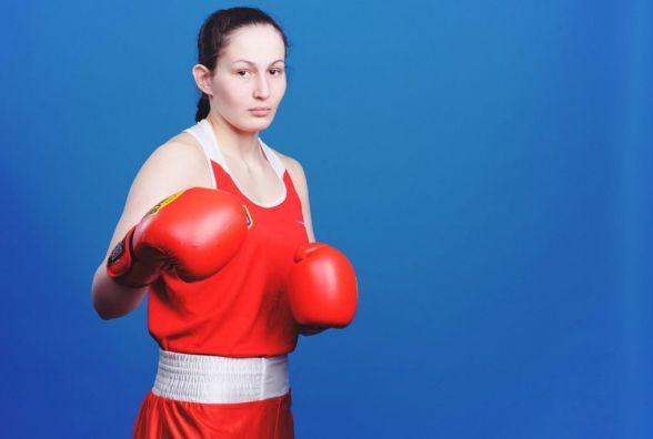 Хмельничанка поїхала в Казахстан на боксерський турнір