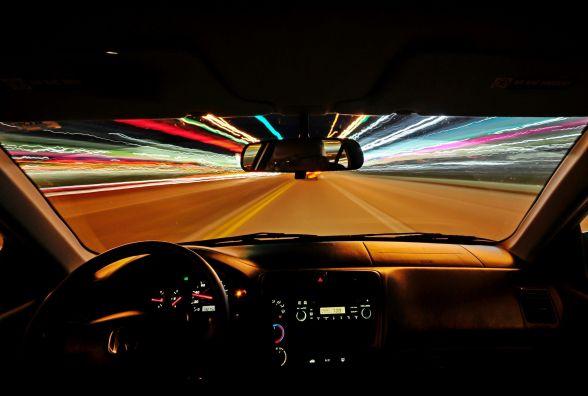 Драйв, інтелект і швидкість: у Хмельницькому пройдуть нічні «розумні» автоперегони