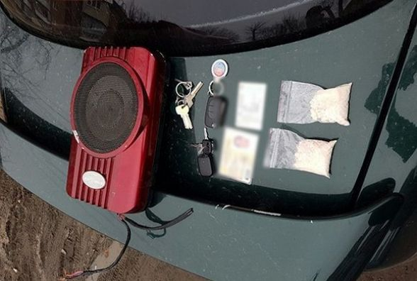 На Озерній в чоловіка знайшли амфетаміну на 35 тисяч гривень