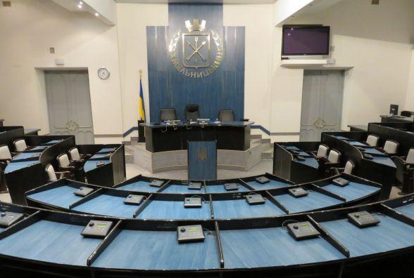 Через розгін блокади на Сході хмельницькі депутати збираються на сесію
