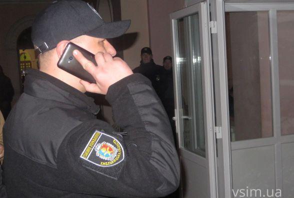 """Чому поліція не зупинила депутата від """"Свободи"""", коли він трощив турнікет в Будинку рад"""