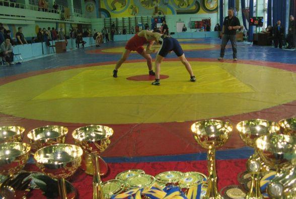 Три «золота» виграли хмельничани на домашньому турнірі з боротьби