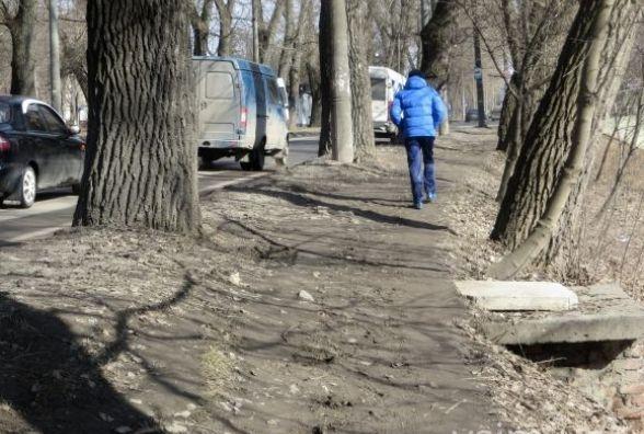 Нова петиція до міської влади. Просять облаштувати тротуар по Старокостянтинівському шосе
