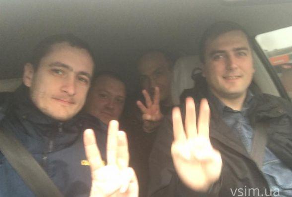 """Підтримати Бурлика на хмельницький майдан приїхали депутати і члени """"Свободи"""" з сусідніх областей"""
