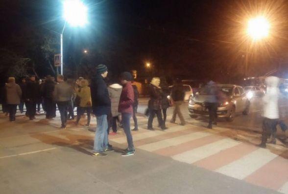 Через вимикання світла хмельничани перекрили дорогу на проспекті Миру (ОНОВЛЕНО)