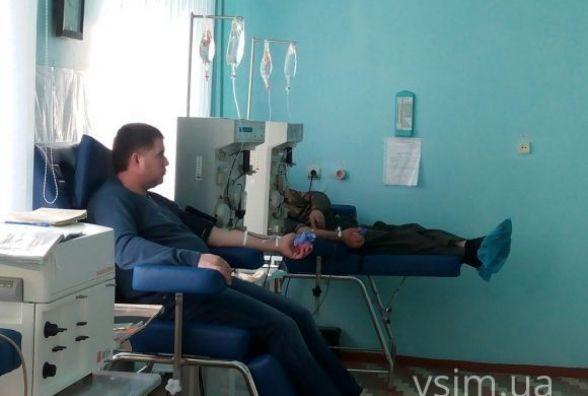 Просять знайомих і приходять самі: чому хмельничани стають донорами крові