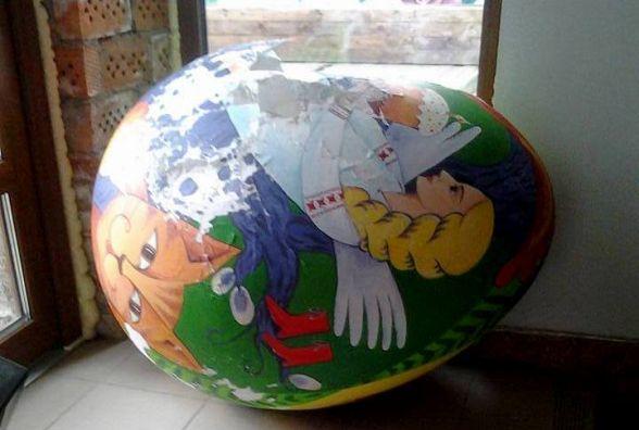 На Проскурівській потрощили яйце за 5 тисяч гривень