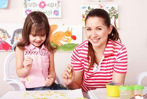Як вибрати няню для дитини та скільки це буде коштувати