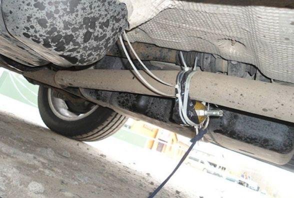 На Хмельниччині до автівки київського підприємця прив'язали гранату
