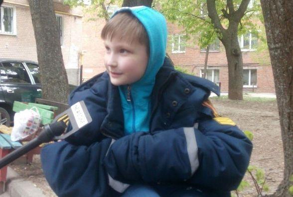 На Львівському шосе загорілась квартира. Рятувальники винесли з приміщення дитину (ВІДЕО)