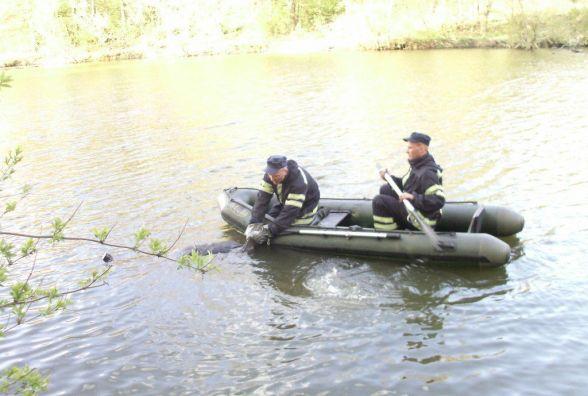 У Полонському районі з річки витягнули тіло 56-річної жінки
