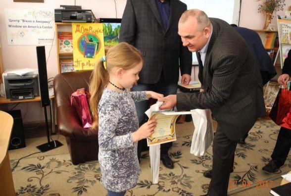 У Хмельницькому нагородили переможців обласного конкурсу дитячих малюнків з охорони праці