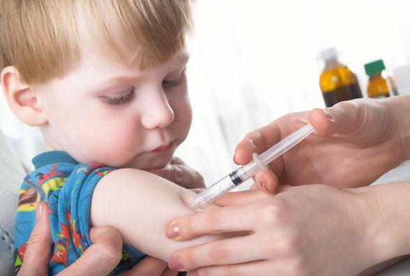 Профілактичні щеплення: коли робити дітям і чи вистачить вакцин
