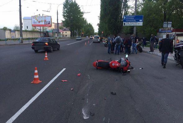 На Кам'янецькій «Renault» збив мотоцикліста
