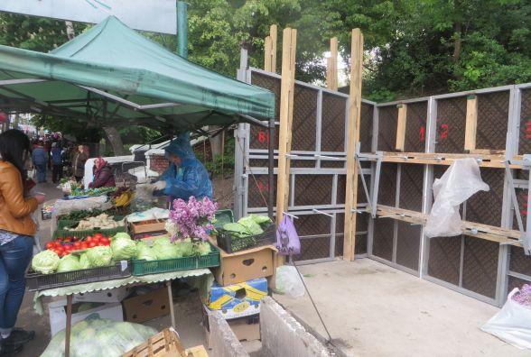 """На ринку """"Ранковий"""" почали реконструкцію (ФОТО)"""