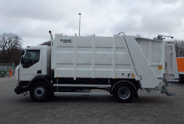 Хмельницьким комунальникам придбали новий сміттєвоз за 4 мільйони