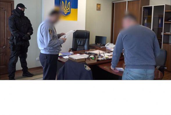 Екс-заступника Семенишина підозрюють у шахрайстві. Кажуть, збирав з підлеглих гроші