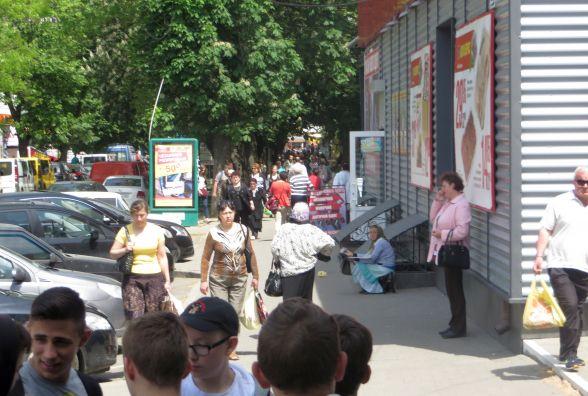 """Скандальну алейку на Проскурівського підпілля """"чистять"""" від стихійної торгівлі"""