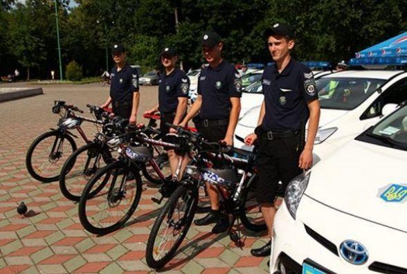 Поліцейські не виїхали на патрулювання, бо не встигли відремонтувати велосипеди