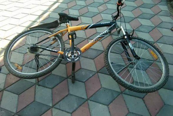 У Хмельницькому 13-річний хлопець на скутері збив велосипедиста