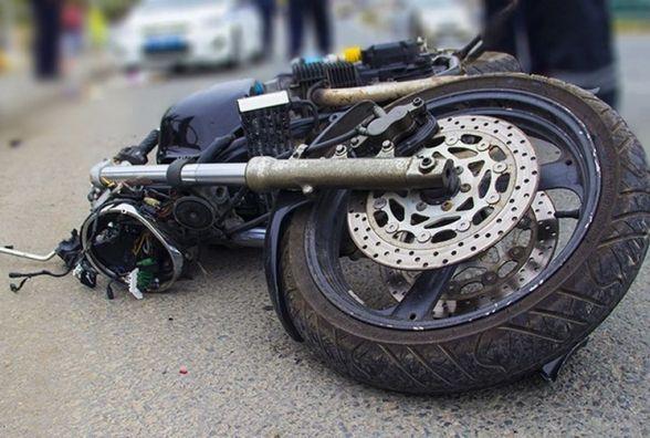 На перехресті Антоніни-Теофіполь перекинувся мотоцикл. Водій в лікарні