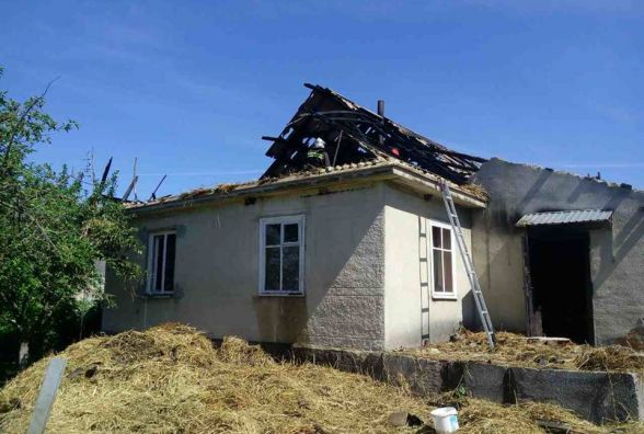 Сім'я Слівінських після пожежі залишилась без речей і даху над головою. Родина просить допомоги