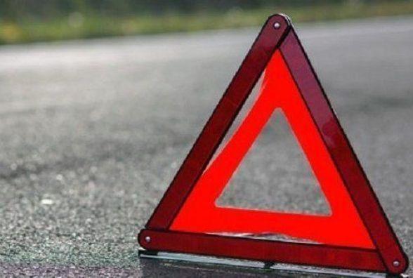 В Ізяславі зіткнулись дві вантажівки. Один із водіїв у лікарні