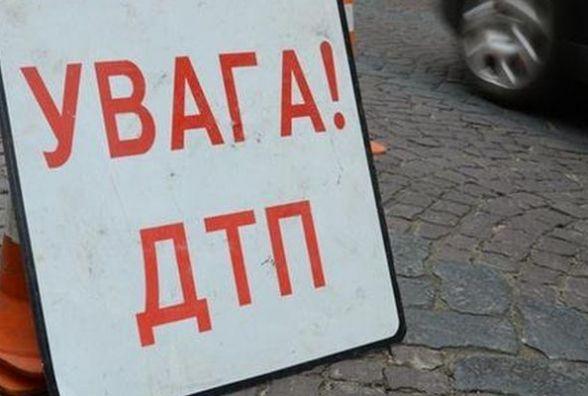 """На Деражнянщині вантажівка врізалась у """"ВАЗ"""". Пасажири легковика отримали травми"""