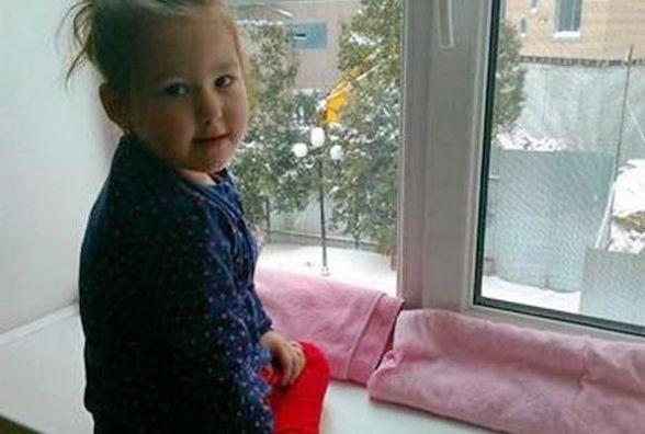 У чотирирічної Ані вроджена вада серця. Батьки дівчинки благають хмельничан про допомогу