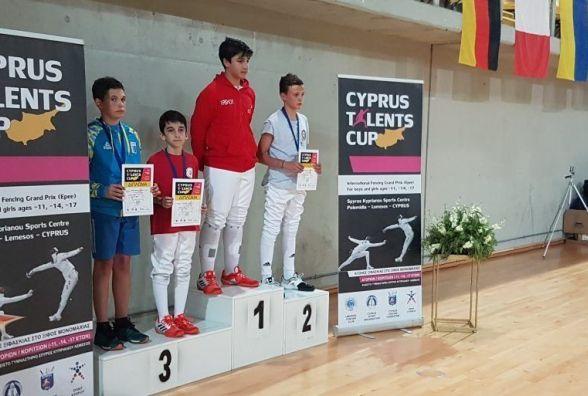 Фехтувальники з Хмельницького здобули призові місця міжнародного турніру на Кіпрі