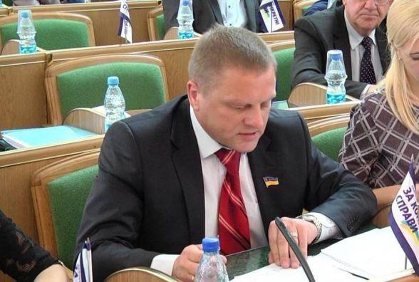 """""""За конкретні справи"""" оприлюднила заяву щодо затримання депутата Миколи Харкавого на хабарі"""
