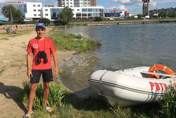 Студент Артур Стерницький розповів, як працювати рятувальником на пляжі