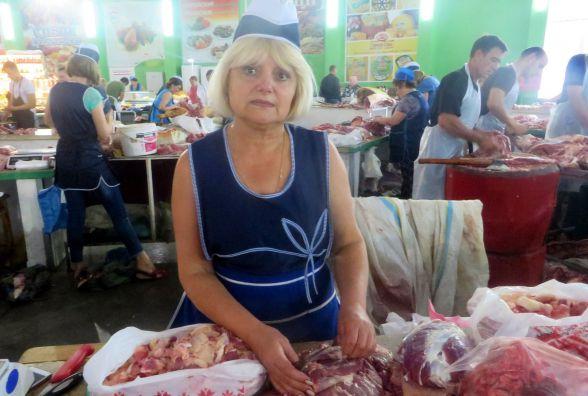 За м'ясо - 120 гривень, за сало - 75. На хмельницькому ринку подорожчала свинина