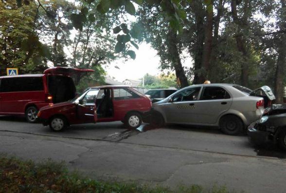 На Сковороди зіткнулись чотири автомобілі