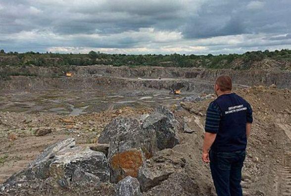 На Хмельниччині підприємство незаконно видобуло граніту на 3 мільйони гривень