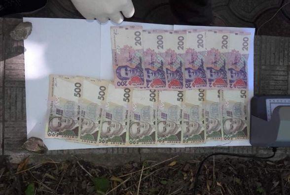 Декан з Кам'янець-Подільського національного університету вимагав 200 доларів за прийом на навчання