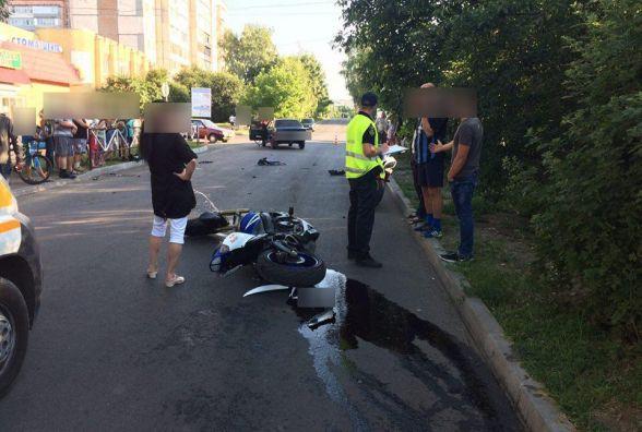 На вулиці Франка «ВАЗ» збив мотоцикліста. Чоловік в лікарні