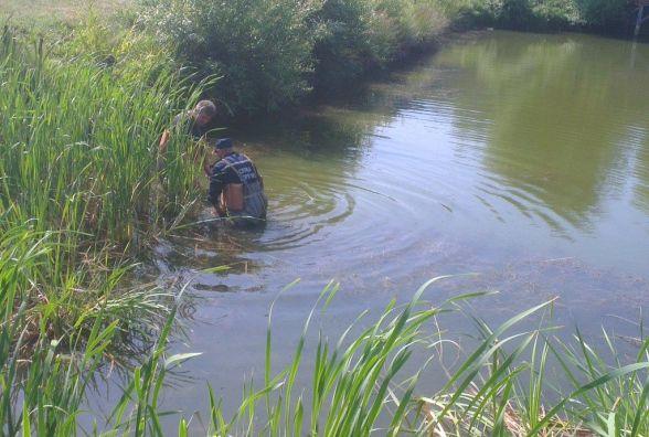 На Хмельниччині в річці знайшли тіло чоловіка