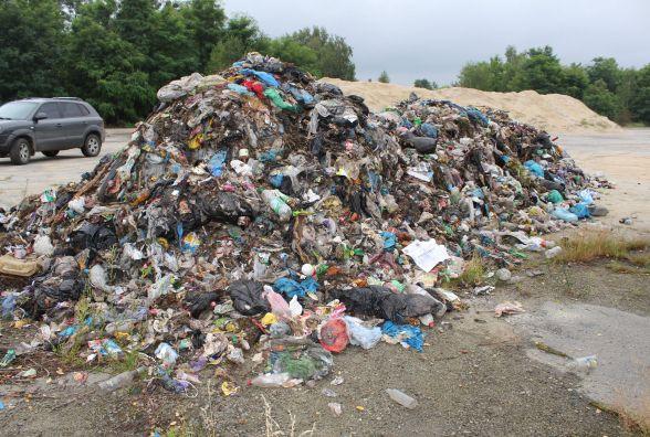 На Хмельниччині знайшли ще одну порцію львівського сміття. Розбирається поліція