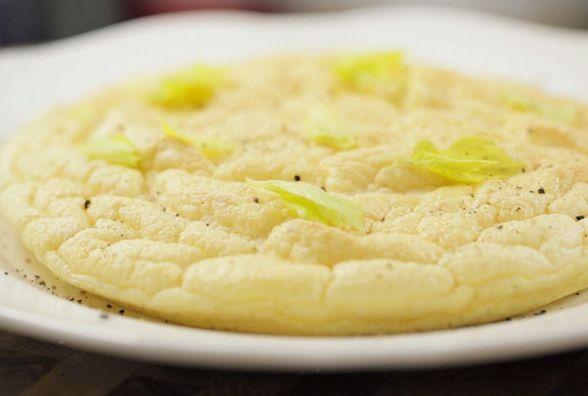 Швидкий і смачний сніданок: як приготувати дієтичний омлет в духовці