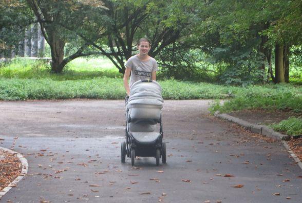 В парку Чекмана облаштували нову пішохідну доріжку за 200 тисяч гривень