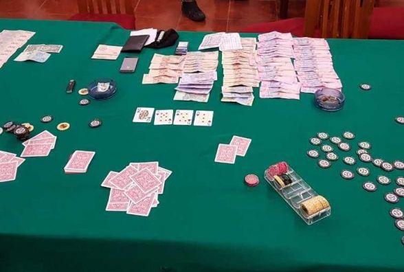 На Хмельниччині судитимуть чоловіків, які організували клуб для гри в «Покер»