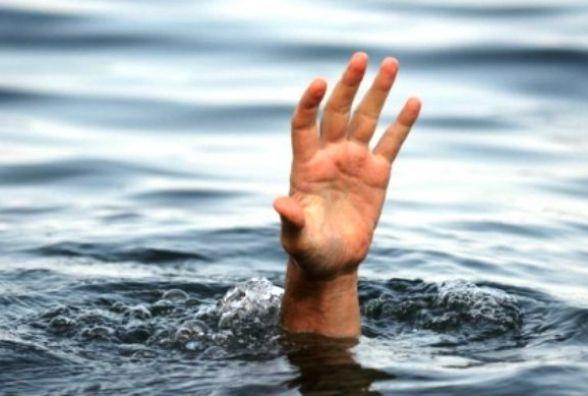Двоє чоловіків втопилися на Хмельниччині