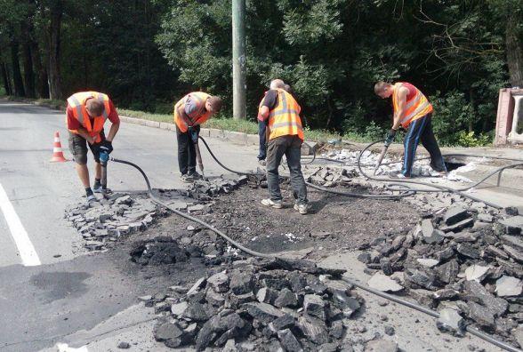 Перший день ремонту Старокостянтинівського мосту: Зарічанська потонула у заторах