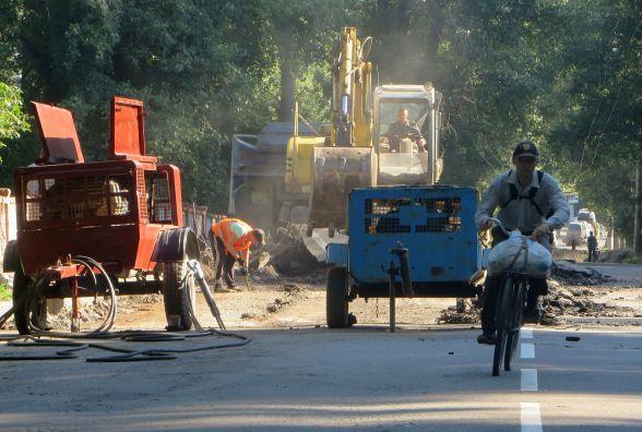 Другий день ремонту Старокостянтинівського мосту: що там відбувається