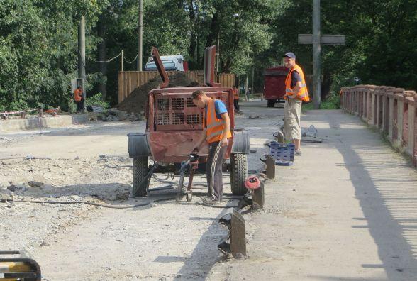 Тиждень ремонту Старокостянтинівського мосту: що роблять зараз
