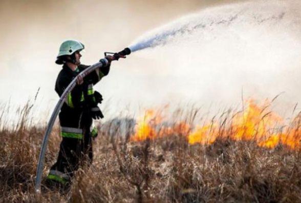 Спека на Хмельниччині:  рятувальники попереджають про небезпеку пожеж